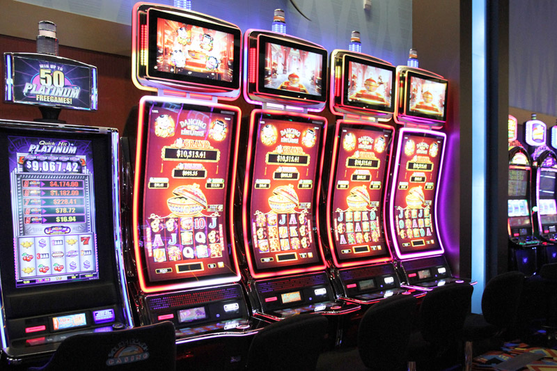 Clover Rollover slot game that offers you wonderful Jackpots